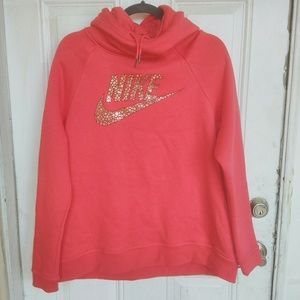 Nike Rally Pullover Hoodie